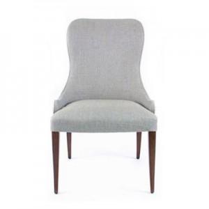 Adele-alta-com-tachas Cadeira